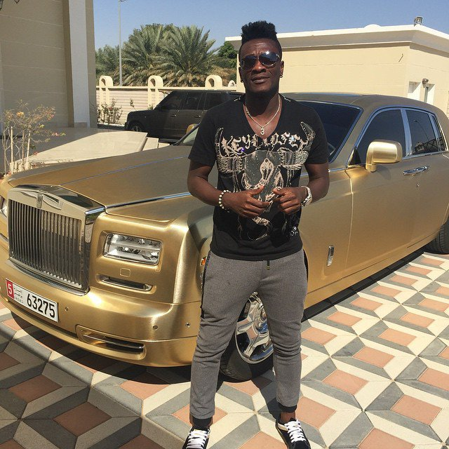 bayor 4 - African footballers who drive cars worth 36m (Photos)